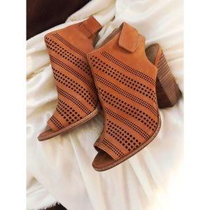 Gianna Bini Shoes Size 9
